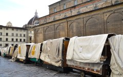 Firenze, ambulanti di San Lorenzo: «Siamo disperati»