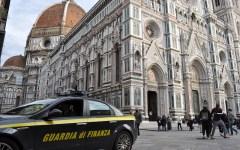 Firenze, sequestrate false borse di lusso destinate ai venditori abusivi