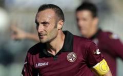 Livorno vince a Cagliari (1-2). Grave infortunio a Luci