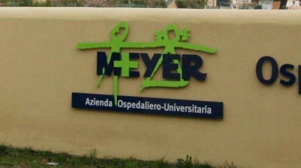 Le condizioni del piccolo ricoverato al Meyer sono stazionarie