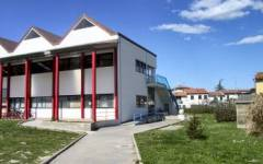 Pisa, raid vandalico, scuola in fiamme: chiusa fino a Pasqua