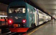 Pontedera, muore a 16 anni travolto dal treno per Firenze. Linea interrotta per quasi 4 ore