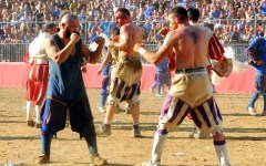 Calcio storico:  Azzurri-Bianchi si giocherà regolarmente sabato