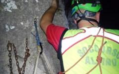 Argentario, rocciatori in bilico nel vuoto a 100 metri d'altezza: salvati dopo ore di paura