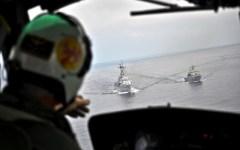 Atlantico: in volo con l'elicottero del «Durand de la Penne» per controllare le rotte marittime (FOTO)