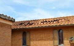 Marina di Grosseto: si ripara la chiesa danneggiata dalla tromba d'aria
