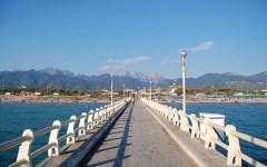 Forte dei Marmi: aggredito e rapinato nella notte il proprietario del ristorante La Barca