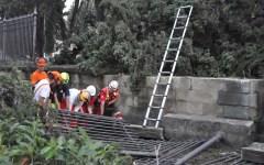 Il nubifragio a Firenze piega le cancellate al Cimitero degli Inglesi. Devastato il Giardino dei Semplici
