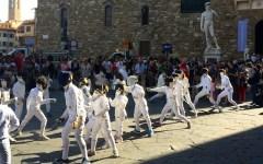 Scherma, vola il primo #fencingmob per le vie di Firenze