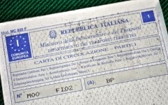 Automobili: la nuova carta di circolazione sostituisce libretto e certificato di proprietà