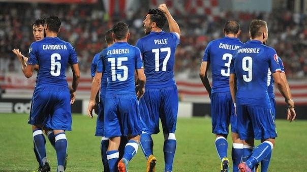 L'esultanza di Pellè, autore del gol della vittoria al suo debutto in maglia azzurra