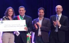 Versilia: Novita Amadei vince il premio letterario Massarosa con il romanzo «Dentro c'è una strada per Parigi»