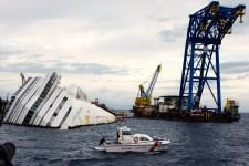 Le strutture della Micoperi durante il recupero della Costa Concordia