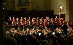 La Schola Cantorum Landini e l'Orchestra Galilei col direttore Nicola Paszkowski
