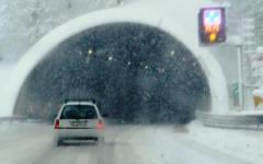 Maltempo in Toscana: neve sui monti e sull'A1. Temporali e vento gelido in pianura