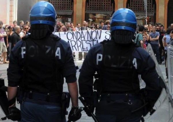 Polizia Reparto Mobile