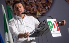 Firenze, Renzi alla festa de l'Unità: «Il referendum lo vinciamo, ma non è il mio»