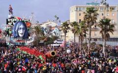 Carnevale di Viareggio 2016, sui carri allegorici Renzi, Salvini e Zuckerberg