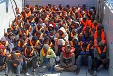 Un gruppo di immigrati raccolti in mare