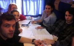 Gli studenti toscani sul Treno della Memoria: «Dopo Auschwitz il nostro viaggio non si ferma»