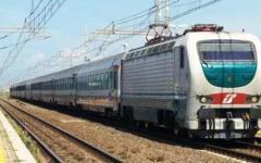 Livorno, incendio sull'Intercity con 400 viaggiatori. Una donna si sente male. Ritardi sulla linea Tirrenica