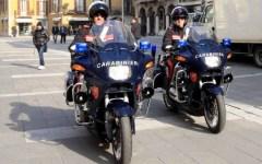 Firenze, fuga a fari spenti: inseguito e catturato dai carabinieri in moto
