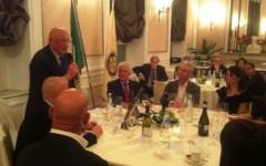Firenze: Pazzino de' Pazzi è solo leggenda? E come nacque la festa del Grillo? Sandro Bennucci racconta feste e tradizioni ai rotariani. Ins...