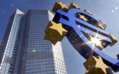 Bce: Draghi, i tassi rimarranno invariati, cioè bassi, ancora a lungo