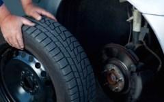 Cambio pneumatici auto: fino al 15 maggio c'è tempo per sostituire quelli invernali. Sanzioni (e problemi in caso d'incidente) per chi non p...