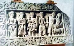 San Quirico d'Orcia, i paesani ricomprano l'opera d'arte e la riportano a casa