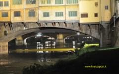 Firenze: minaccia di buttarsi in Arno. Fermato dal sindaco Nardella
