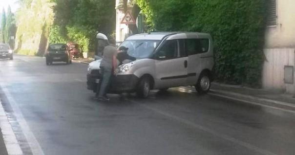 Arezzo, lei incinta faceva il palo, pronta a fuggire in macchina col marito rapinatore: arrestati