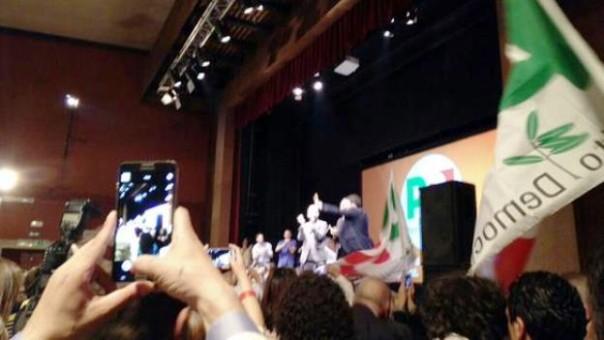 Conclusione della campagna per Enrico Rossi, con Matteo Renzi al Puccini
