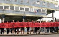 Pisa, razzismo e insulti a studentessa modello: i compagni di classe interrogati dai carabinieri