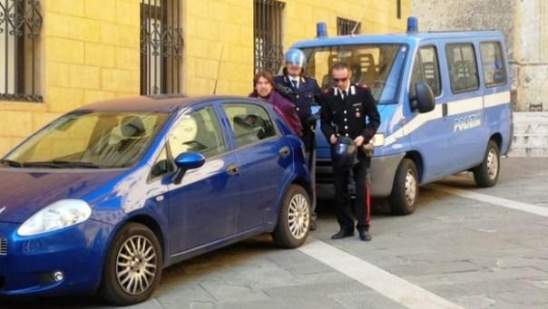Siena, il candidato consigliere Mario Dimonte, bloccato, è stato portato in questura