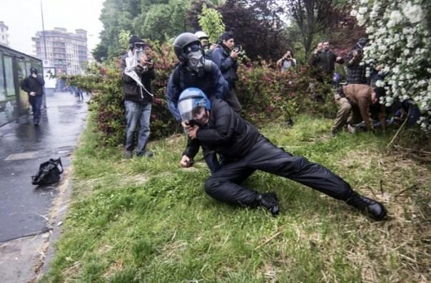 Agguato al poliziotto