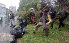 Milano: arrestato il black bloc che ha aggredito il poliziotto il primo maggio. La mappa dei centri sociali