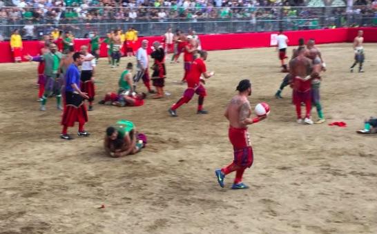 Calcio storico 2015: semifinale Verdi-Rossi