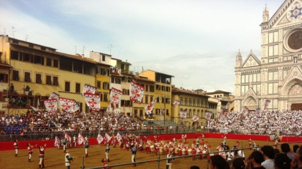 Calcio storico 2015, i Bandierai degli Uffizi