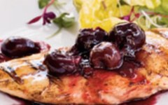 I segreti per cucinare con le ciliegie: petto di tacchino in agrodolce
