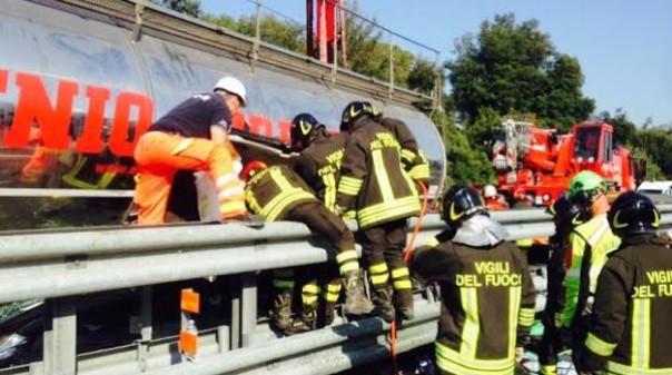Autostrada A12, gravissimo incidente nel tratto fra Migliarino e Viareggio