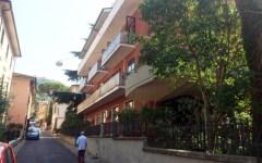 Montecatini, studente tedesco di 17 anni muore dopo essere caduto dal balcone di un albergo