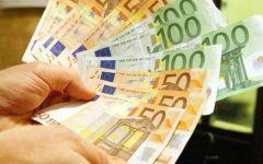 Scandicci: trova una busta con 7000 euro e preferisce portarla ai Carabinieri