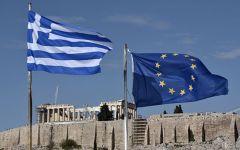 Grecia: il parlamento approva le riforme-choc. Syriza si spacca. Scontri in piazza ad Atene