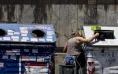 Poveri: in Italia sono 4 milioni. E Renzi esulta perché ... non aumentano