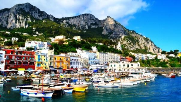 Il porto di Capri