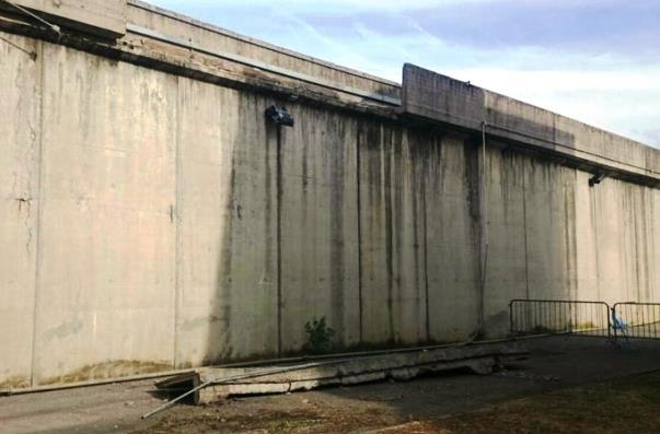 Firenze, al carcere di Sollicciano il crollo di un pezzo del muro di cinta