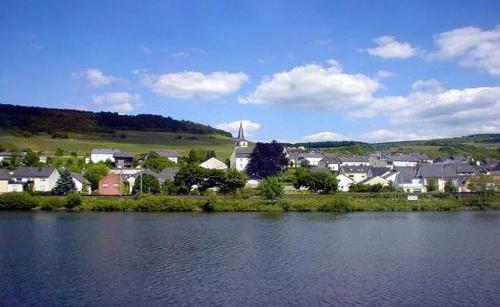 Una veduta della cittadina lussemburghese di Schengen