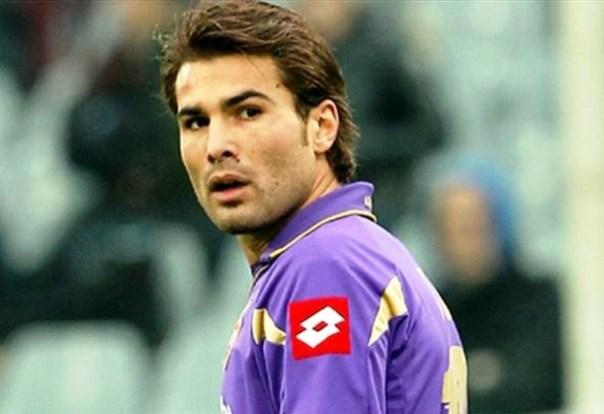 Adrian Mutu con la maglia della Fiorentina