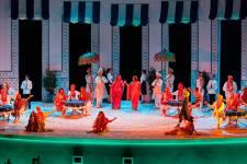 Un momento del «Così fan tutte» in scena all'Opera di Firenze